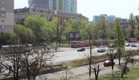 Около Ленинградки вКиеве трамвай переехал старушку
