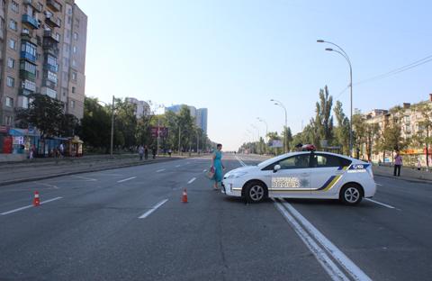 КМДА відновлює електропостачання вбудинках мешканців, які перекривали Харківське шосе